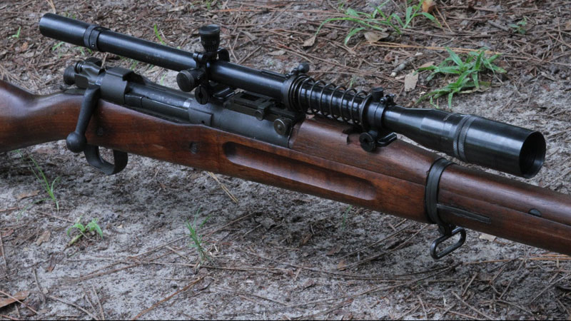 The Hi-Lux/Leatherwood 8X USMC sniper scope is an exact replica of the one used by Carlos Hatchock, legendary sniper and sniper trainer from Vietnam, who had 93 confirmed kills with his Winchster Model 70, as well as 1903 Springfields and even a .50 cal. Browning BMG. He used a scope on all those rifles just like this.