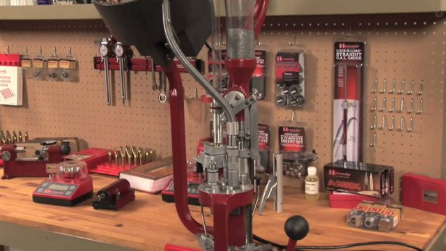 Reloading with Hornady – Re-sizing the Cases