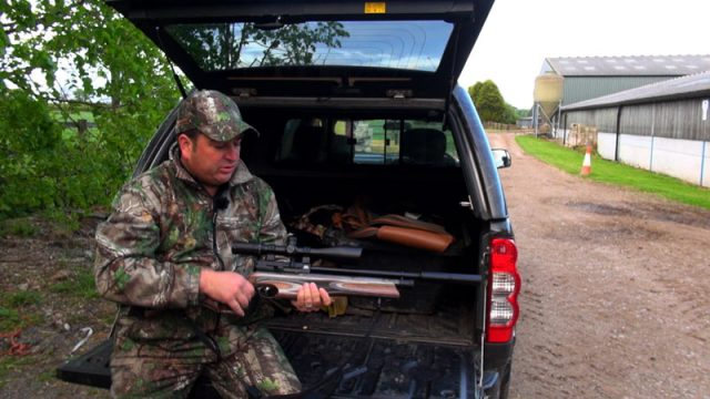 Rat Shoot With The Air Arms Ultimate Sporter And NiteSite Viper