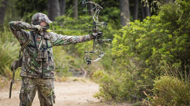 Ian Harford's Bow of Choice: The Arena 34 in Realtree Xtra Green from Bear Archery