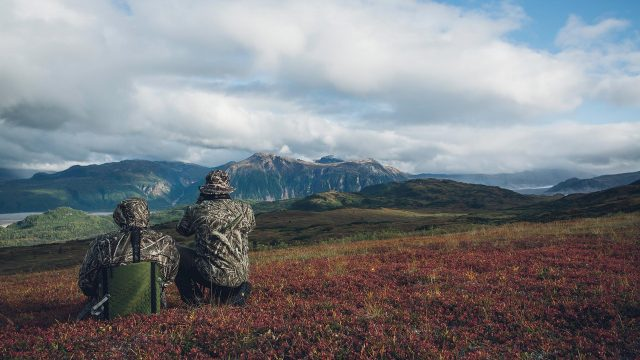 Hunting in Alaska: Episode 7 – Battle of the Beasts: An Epic Grizzly Bear Hunt